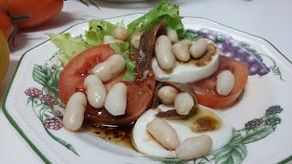 ensalada De Tomates, Alubias Y Queso Fresco