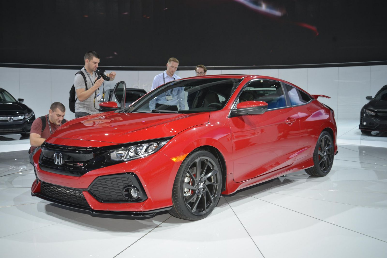 honda 39 s 2017 civic si is a prototype only in the name carscoops. Black Bedroom Furniture Sets. Home Design Ideas