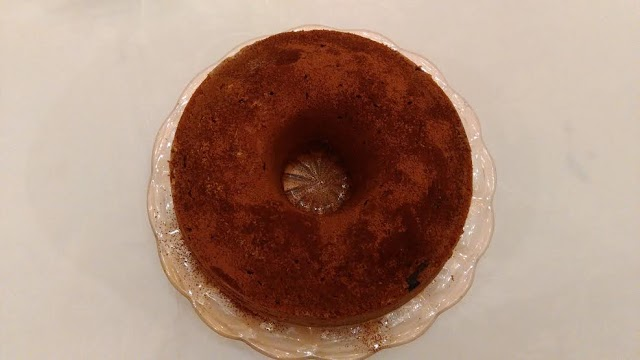 Cake βανίλιας με σοκολάτα. Πεντανόστιμο. Να σας κεράσουμε;