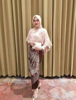 model kebaya 2019 celana