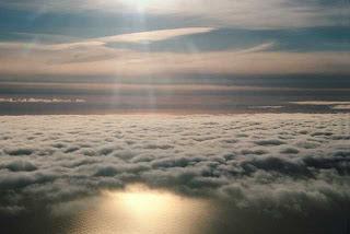 Foto de nubes en el anochecer