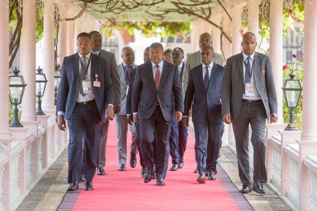 ANGOLA | O Estado quer sair de cena para dar espaço ao privado
