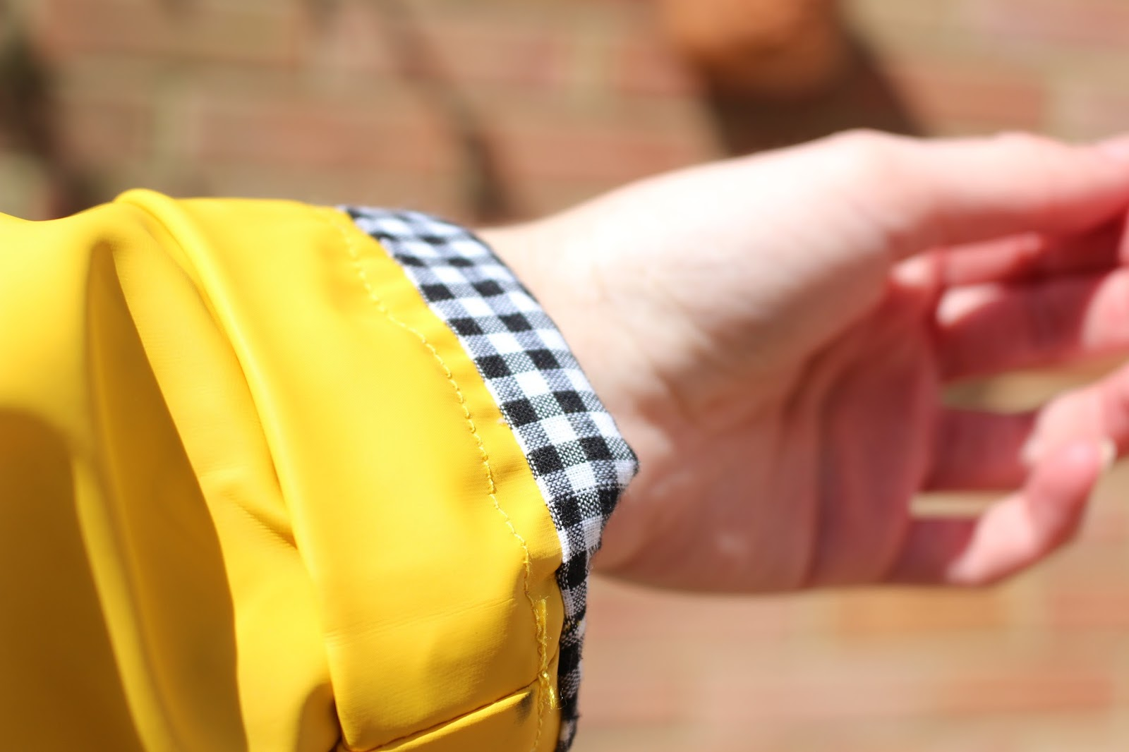 Here Comes The Sun | Outfit Snippet festival coat rain mac yellow