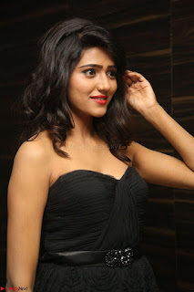 Shalu Chourasiya in spicy Sleeveless Strapless Black Top at O Pilla Nee Valla Movie Audio Launch Feb 2017 094.JPG