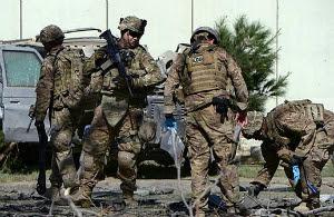 Terrorismo: Ataque a maior base dos EUA no Afeganistão mata 4 e fere 15