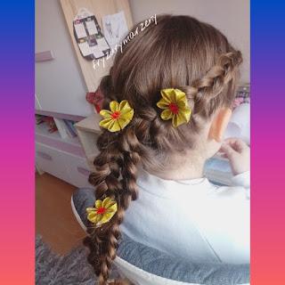 Dwa warkocze-święta-fryzura na swieta-jak sie uczesac na swieta-fryzury swiateczne