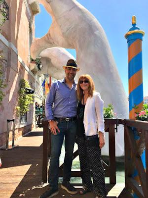 "Lorenzo Quinn & Cat Bauer - Photo: Silvana Di Puorto ""Support"" at Ca' Sagredo in Venice"