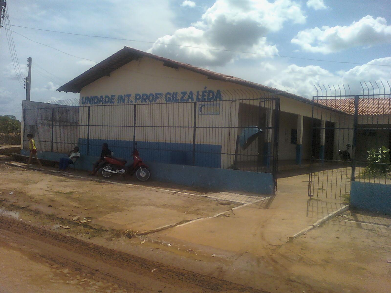 0de8b446d7712 Jeová Sousa a direção da Escola Gilza Leda Professora Socorro Campos vários materiais  esportivos ...