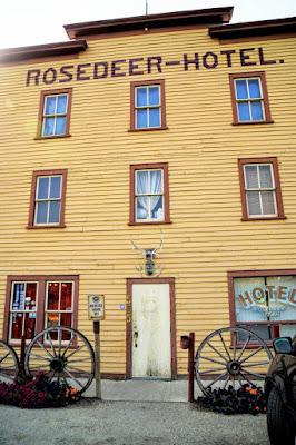 Rosedeer Hotel, Wayne, Alberta