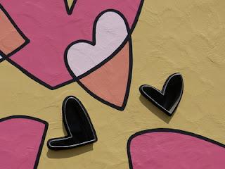 Grübeln bringt kein glückliches Herz und versetzt den Partner in eine schlechte Position.