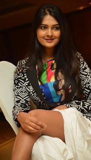 Actress Neha Deshpande Stills At Trendz Vivah Collection Launch 0012