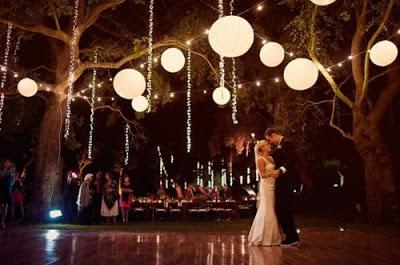 decoracion de boda con bombillas