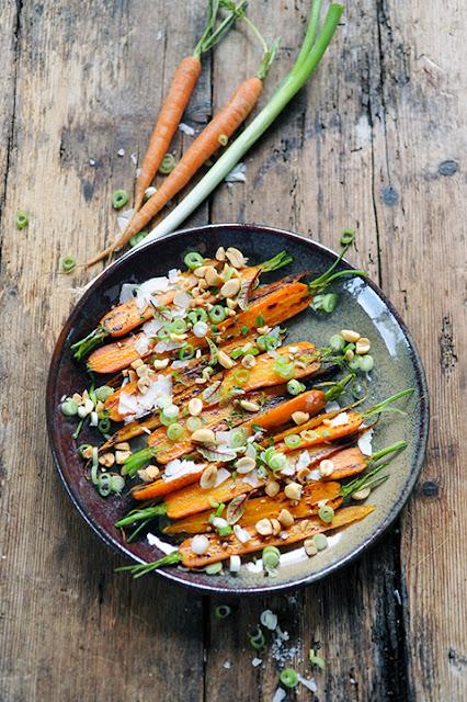 Le jour d'après on retrouve une cuisine... raisonnable! Mes carottes rôties à plein de petites choses pour le jour d'après...