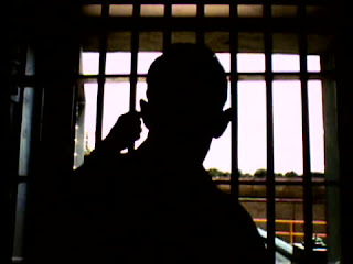 laki-laki dalam penjara