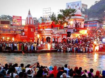 नैना देवी मंदिर