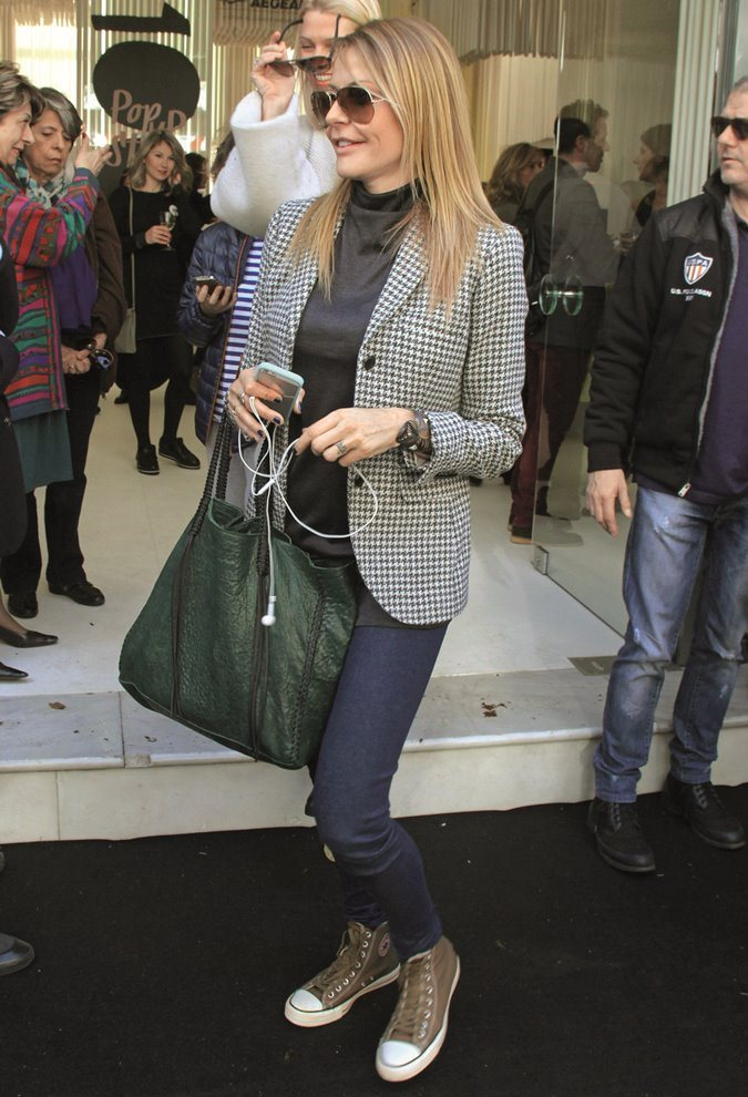 14da8c1dd0 Photos  Οι ελληνικές τσάντες που λατρεύουν οι celebrities ...