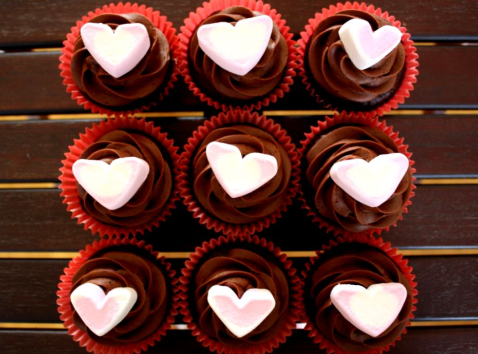 Valentine Chocolate Cakes Wallpaper Soft Wallpapers