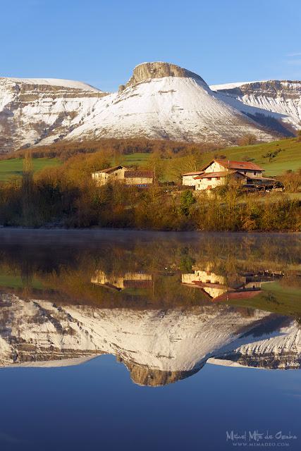 Reflejos del Ungino en Maroño