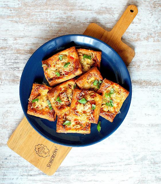 salami chips sokołó,mini pizza,ciasto francuskie,z kuchni do kuchni,przekąski karnawalowe,szybka przekąska na kwarnawał,kasia franiszyn luciano,