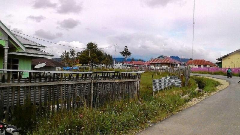 Salah satu desa Kabupaten Deiyai, Papua yang baru saja dialiri listrik