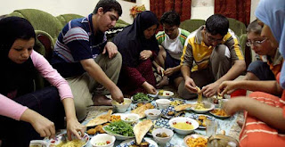 Mengapa Umat Muslim Diwajibkan untuk Berpuasa