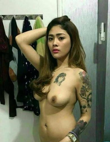 igo telanjang bertato