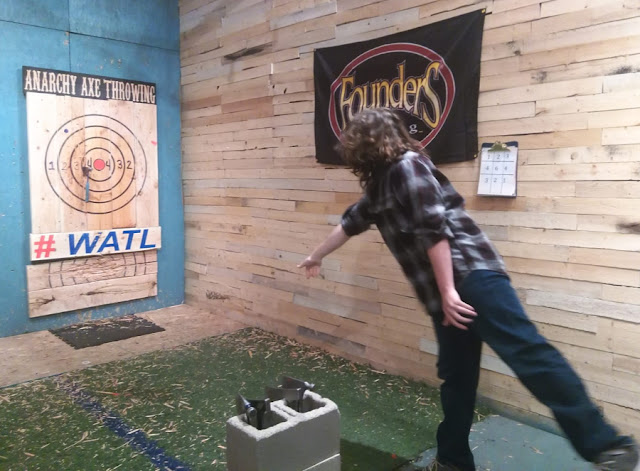 axe throwing teen birthday party teenagers parties in Indy Indiana