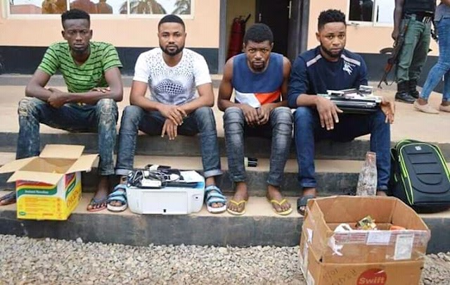 EFCC Busts 19 Yahoo Boys in Ibadan, recovers Ladies Pants, Charms and Cars(Photos)