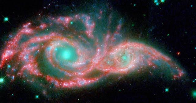 Дві галактики очима Хабла