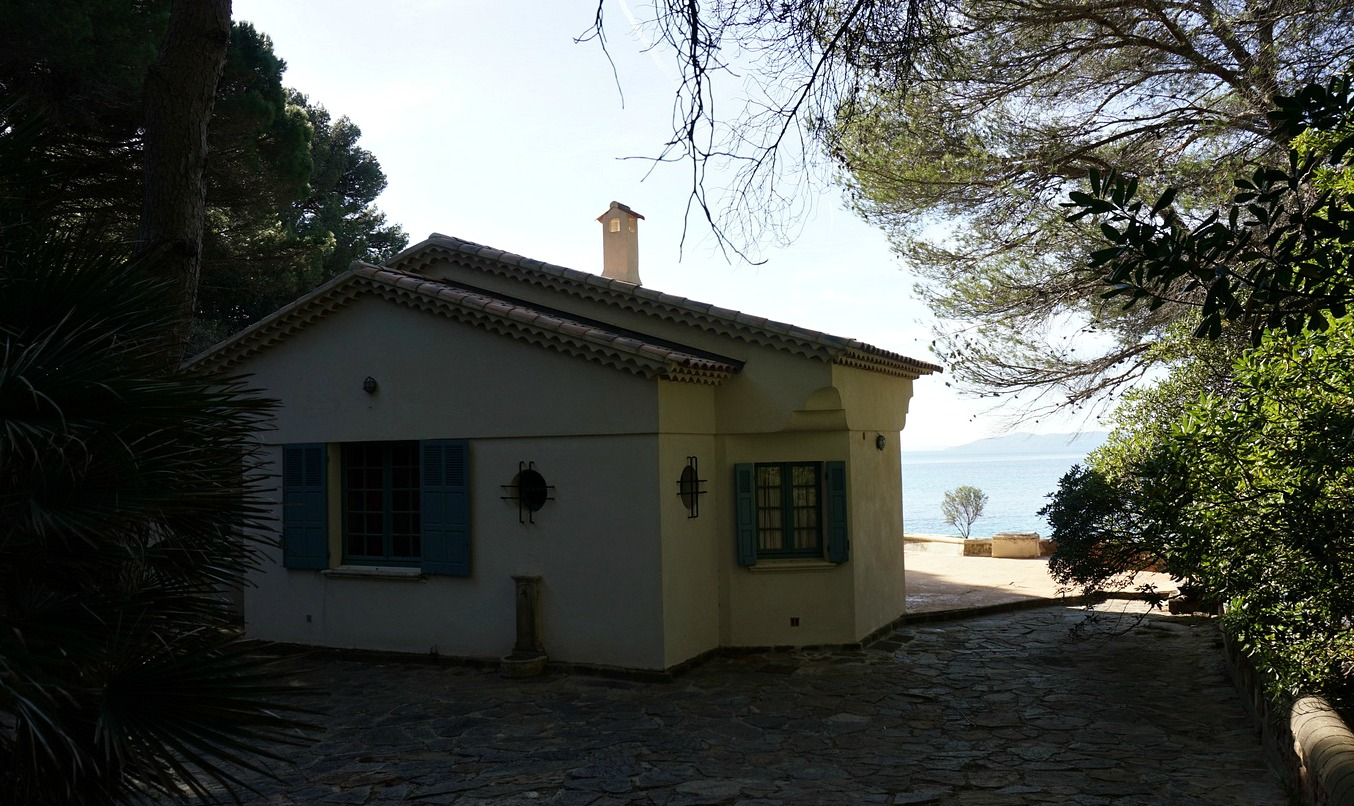 Old boathouse in Domaine du Rayol