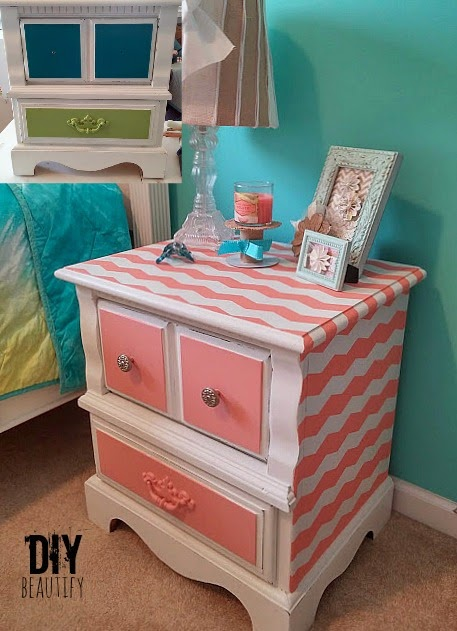 How to Paint Chevron Stripes www.diybeautify.com