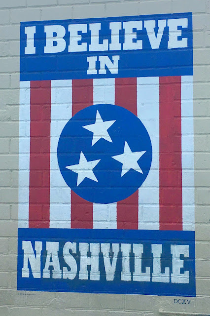 Where to go in Nashville, Tennessee | The Famous I Believe in Nashville Sign - 12 South Neighborhood | www.jacolynmurphy.com