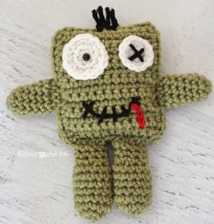 http://translate.googleusercontent.com/translate_c?depth=1&hl=es&rurl=translate.google.es&sl=en&tl=es&u=http://www.repeatcrafterme.com/2014/01/friendly-crochet-zombie-doll.html&usg=ALkJrhiI3PyiQkm-U5m9DfgNABOzrl8bXg