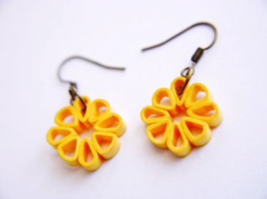 Simple & cute flower handmade earrigns for kids - quillingpaperdesings