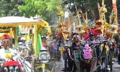 Tradisi Puter Kayun di Banyuwangi.