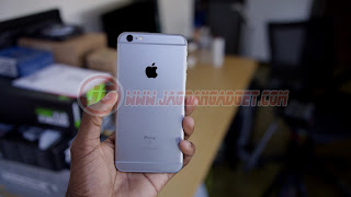 iPhone 6S BM Hands on Silver