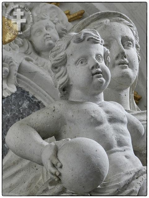 PONT-A-MOUSSON (54) - Vierge à l'Enfant (XVIIIe siècle) de l'église Saint-Martin