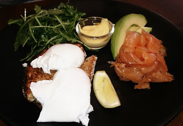 Palate, Prahran, paleo,  poached eggs and smoked salmon