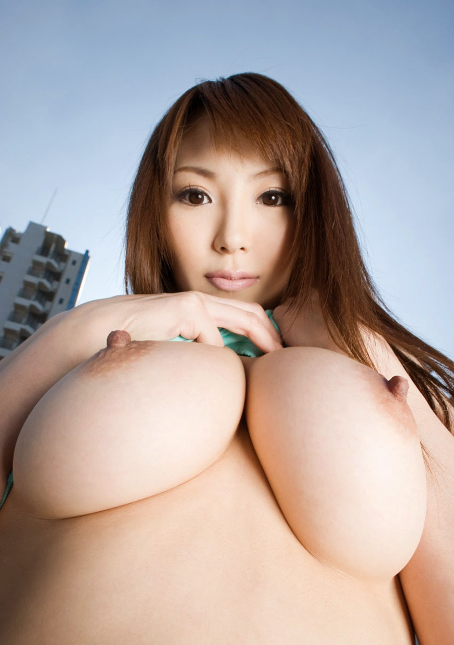 Big boobs japan girl Rio Hamasaki shows her sexy body Asian.