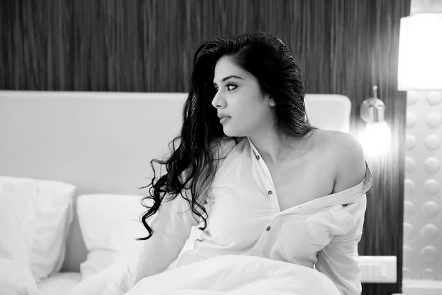Pataas Anchor Sreemukhi Hot Photoshoot