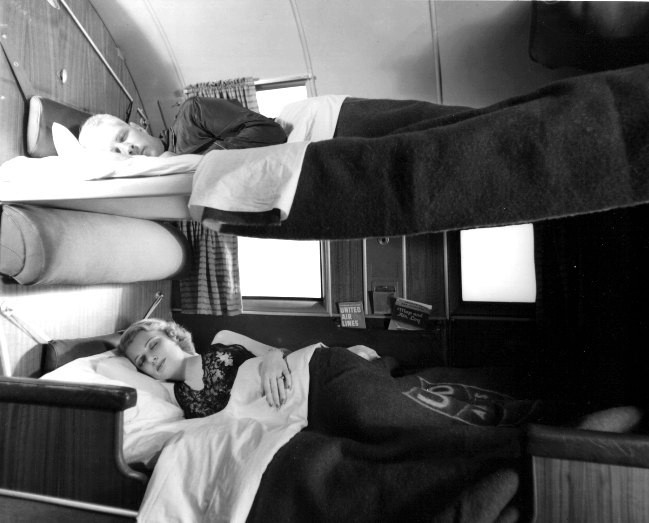 DC-3 침대형 좌석