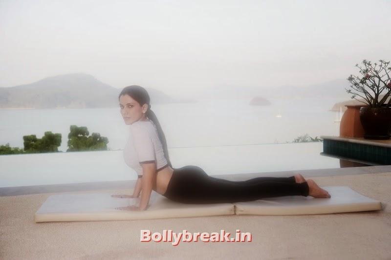 Indian actress Kashish singh does yoga