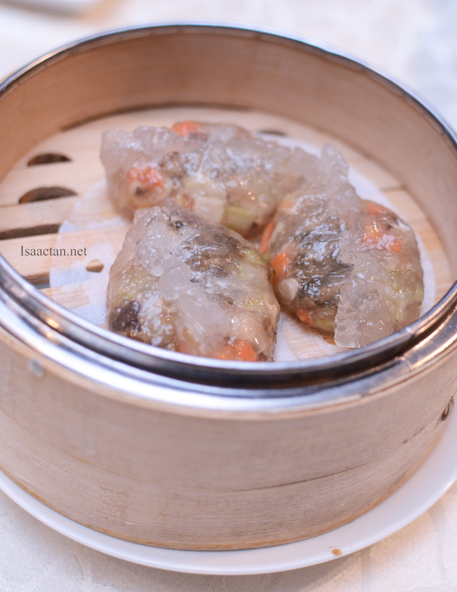 Steamed Spinach Dumpling with Preserved Vegetables