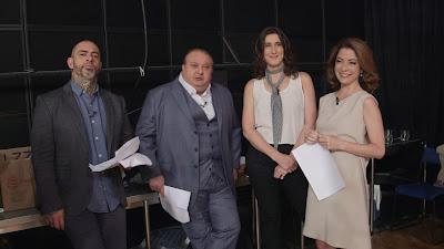 Ana Paula Padrão com os jurados nos bastidores do MasterChef - Divulgação/Band