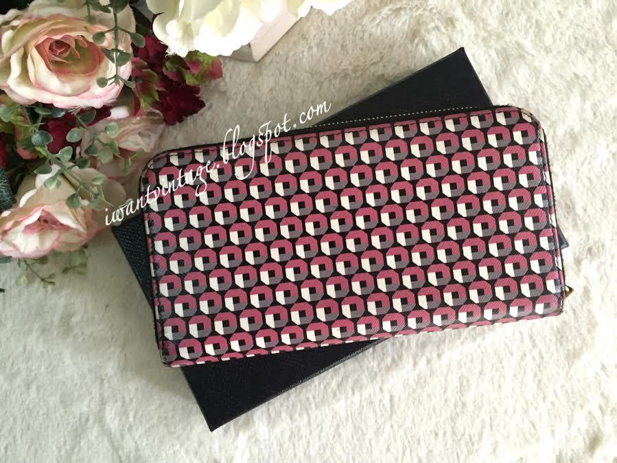 7e43bf121d I Want Vintage | Vintage Designer Handbags: Prada Saffiano Print Zip ...