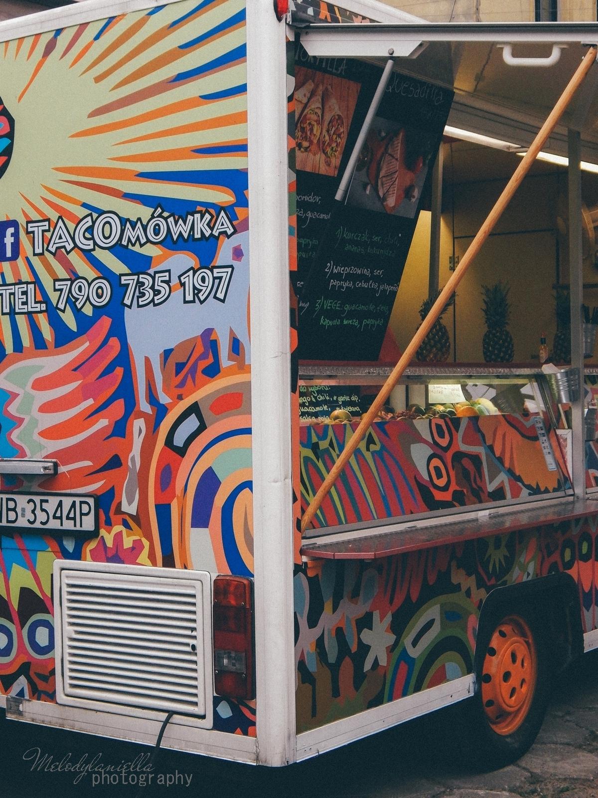14 XV Łódź Street Food Festival. Uliczna uczta przy Piotrkowskiej 217 before food market lato co zjeść food truck festival łódź bangkok lody tajskie chińskie pierożki na parze baklava tacos kiełbasiarnia kofola