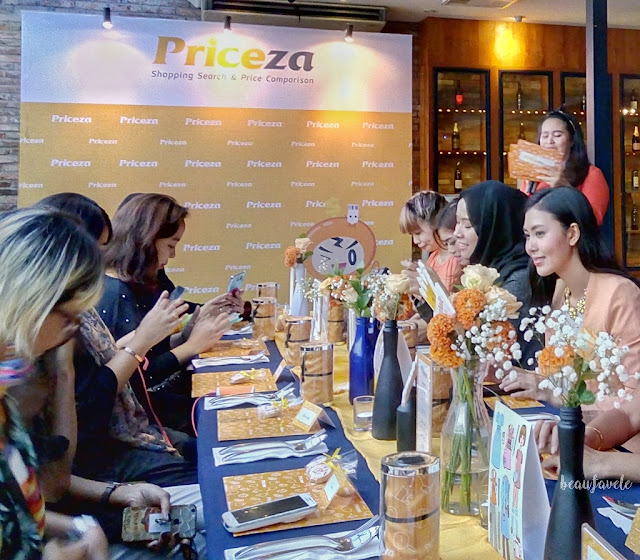 MC Ankatama membuka acara Priceza Indonesia Intimate Blogger Gathering