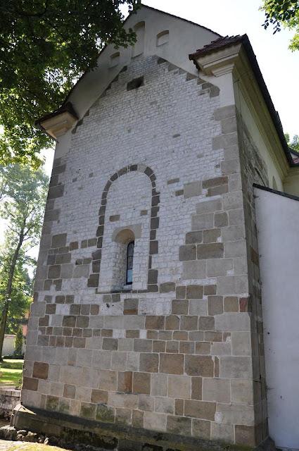 Romański kościół Najświętszego Salwatora w Krakowie