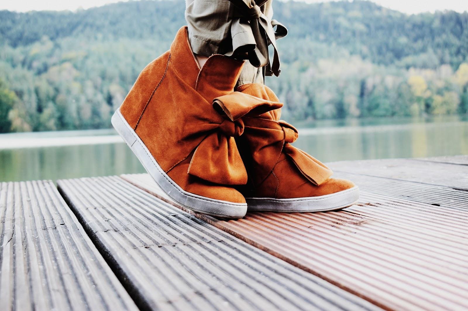 Brązowe sneakersy ze sklepu Laza