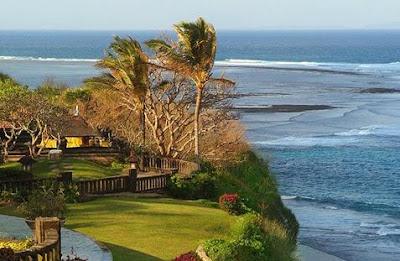 sudah tidak perlu di ragukan lagi akan keindahan alam yang sangat menakjubkan 9 Keindahan Alam di Nusa Dua Bali Yang Memukau